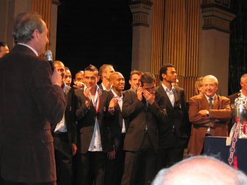 29/30 avril 2006 : Le Maire de Paris félicite le PSG, vainqueur de la Coupe de France 2006 !
