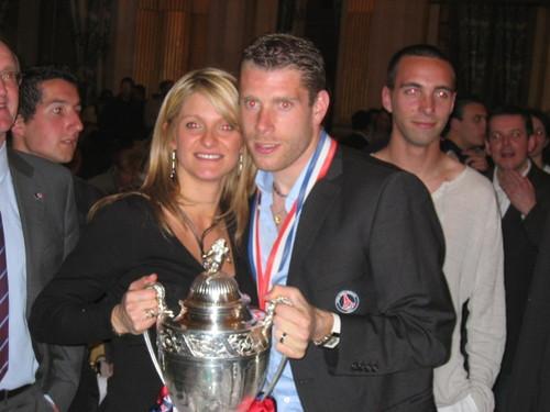 29/30 avril 2006 : Sylvain Armand, la coupe et une jeune femme