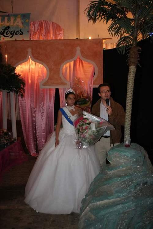 Remise du bouquet à la Reine des Loges 2005